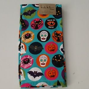 Nicole Miller Halloween Buttons Kitchen Towels NWT